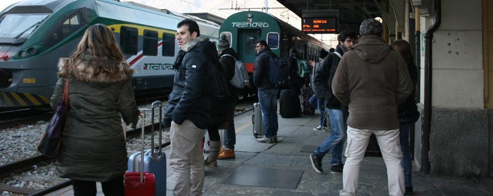 Treno cancellato: i pendolari restano a piedi