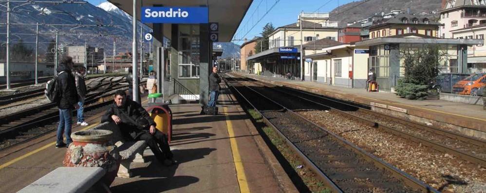 Treno cancellato e nuovi disagi lungo la tratta Milano-Tirano