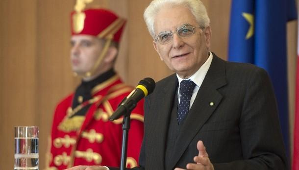 Mattarella, Costituzione non è reliquia
