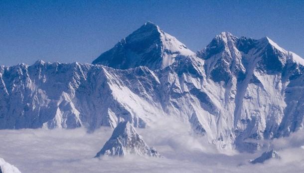 Nuova valanga sull'Everest, evacuazione
