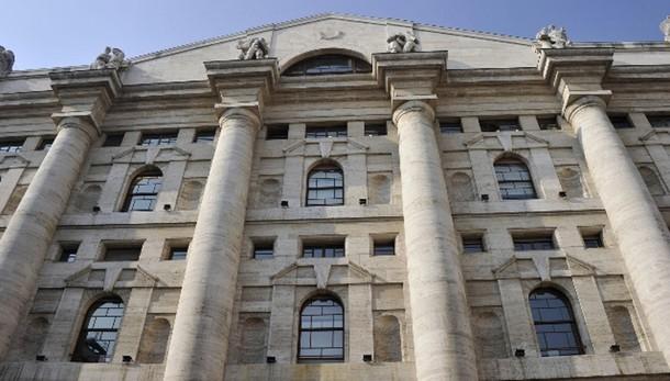 Borsa: Milano chiude in rialzo, +0,22%