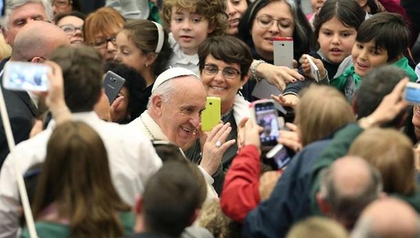 Papa: cristiani si impegnino in politica