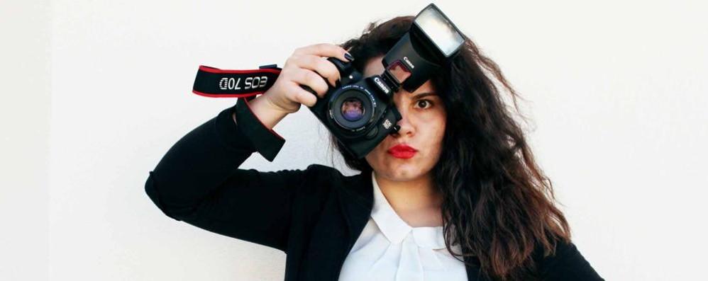 A diciassette anni è già una fotografa e i suoi scatti piacciono ai vip e alla moda