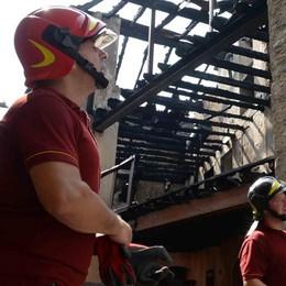Casa devastata dal fuoco a Cercino