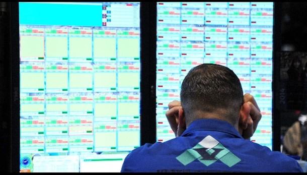 Borsa: Ny apre in calo (-1,01%)