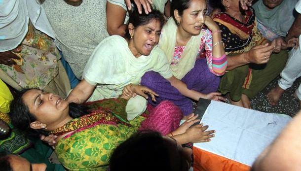 Nuove leggi terre, tre morti in India