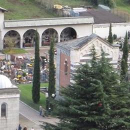 Grosio, vandali in azione al cimitero  Ora rubano anche i fiori dalle tombe