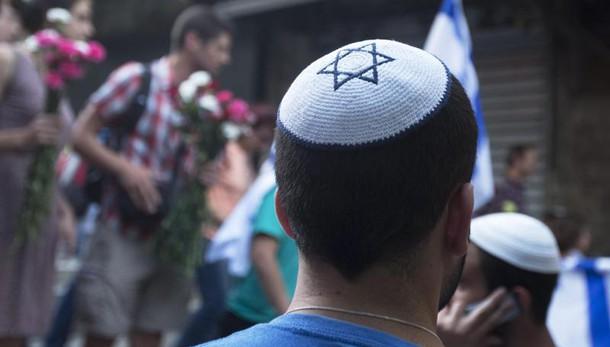 Ebreo aggredito con machete a marsiglia