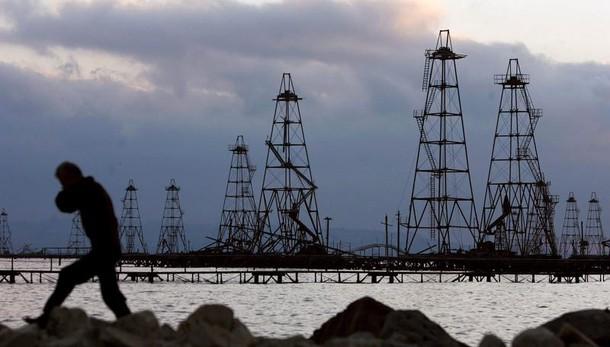 Petrolio: in caduta libera sotto 31 dlr