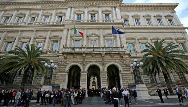 Bankitalia, debito novembre a 2.211 mld