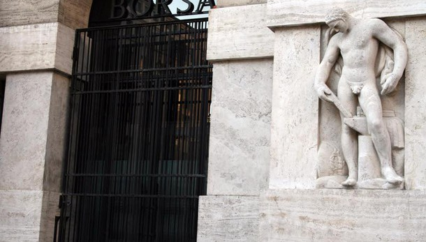 Borsa: Milano apre in calo, -0,55%
