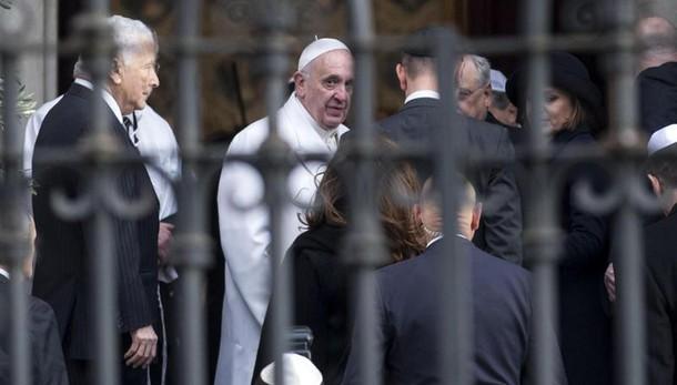 Papa in Sinagoga, in clima amichevole