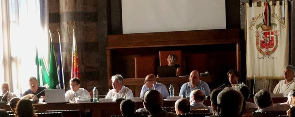 Gestione dell'acqua a Milano  per tutta la Lombardia, Sondrio dice no
