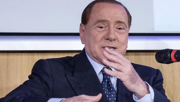 Berlusconi, Renzi bulimico di potere