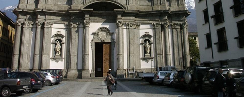 Piazza San Giovanni a Morbegno, spazio ai pedoni