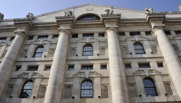 Borsa: Milano chiude in rialzo, +0,5%