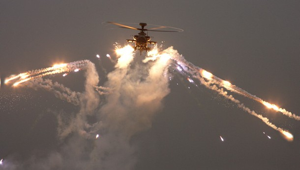 Elicotteri Usa Apache in azione a Mosul