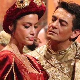 Grande spettacolo, Rigoletto conquista  il Teatro Sociale