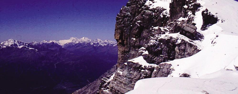 Cade una valanga dal monte Cristallo  Travolti 4 alpinisti, uno è al Morelli