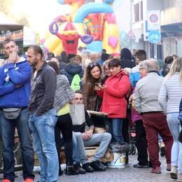 Via Trieste  in festa fa il pieno di allegria