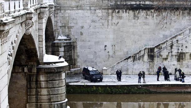 Terremoto: chiuso ponte in centro Roma