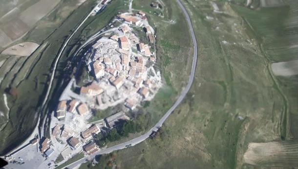 Terremoto: suolo abbassato fino a 70 cm