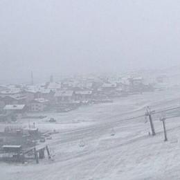 La perturbazione fredda porta la neve e a Livigno  è già inverno