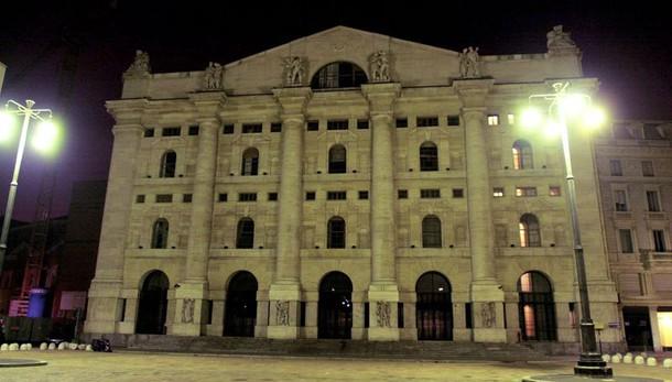 Borsa: Milano apre in rialzo (+0,83%)