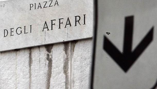 Borsa: Milano chiude in calo (-2,5%)