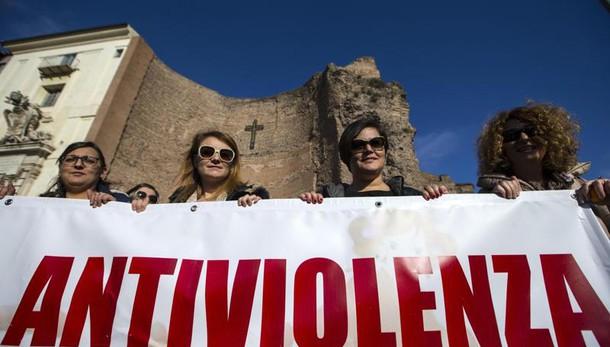 Violenza donne: manifestazione a Roma
