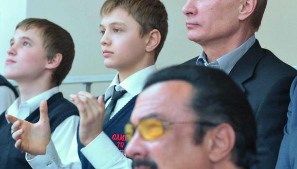 Putin concede cittadinanza Steven Seagal