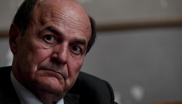 Referendum: Bersani, Renzi crea tensione