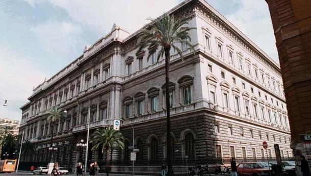 Bankitalia,risalgono prestiti imprese