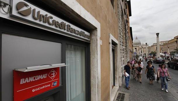 Unicredit taglia 21% dipendenti Italia