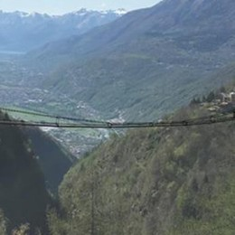 Un ponte sospeso sulla Valtartano