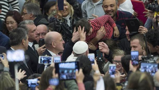 Papa: 2016, 4 mln a incontri in Vaticano
