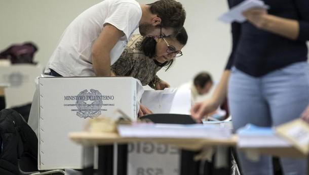 Referendum: alle ore 19 ha votato 57.24%