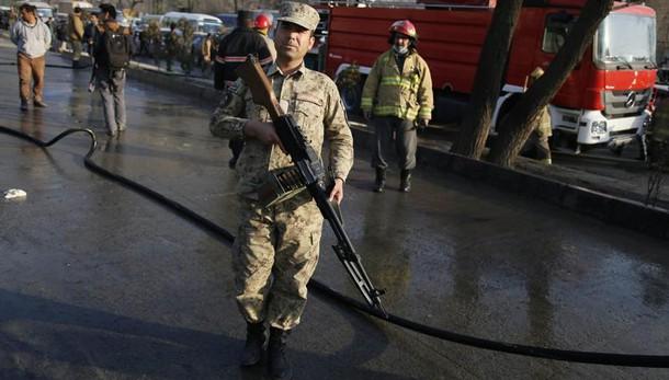 Afghanistan: attentato a Kabul, 20 morti