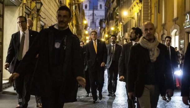 Kerry a Roma, shopping a via Condotti