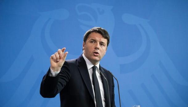 Renzi, noi qui, opposizione perde pezzi