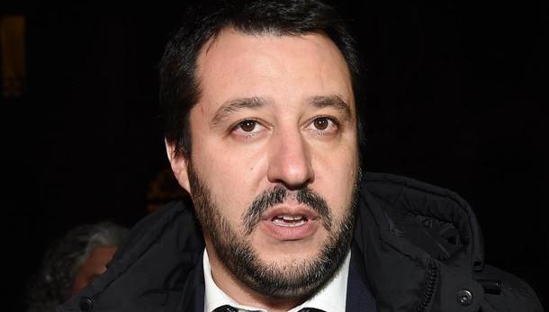 Salvini mai lavorato, Gip archivia