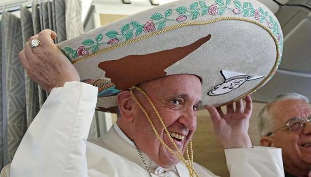Papa: verso Cuba-Messico con il sombrero