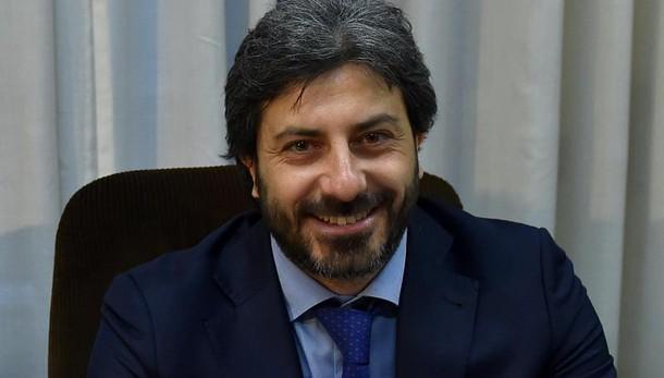 Napoli: Fico tira volata a candidati M5s