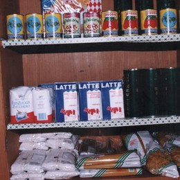 «Un magazzino in città per la Caritas»