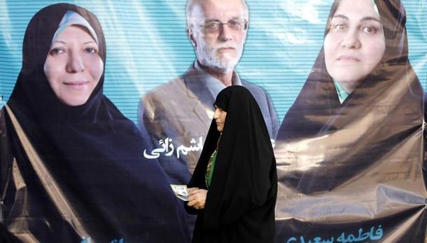 Vigilia voto Iran,duello Khamenei-Rohani