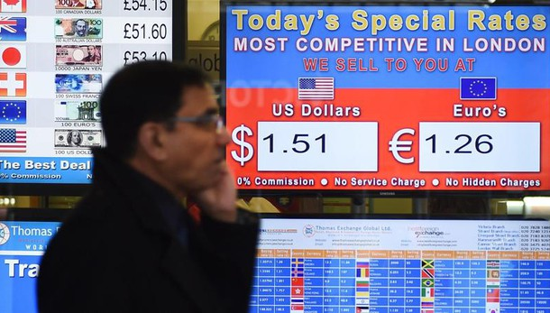 Cambi: euro stabile, corre yen