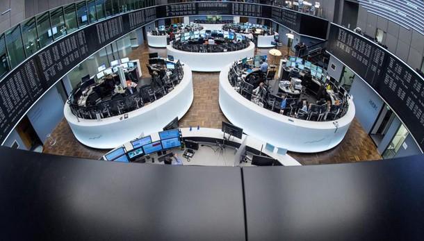 Borsa: Milano apre positiva (+0,1%)