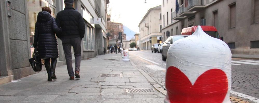 Sondrio, in via Trieste è già San Valentino