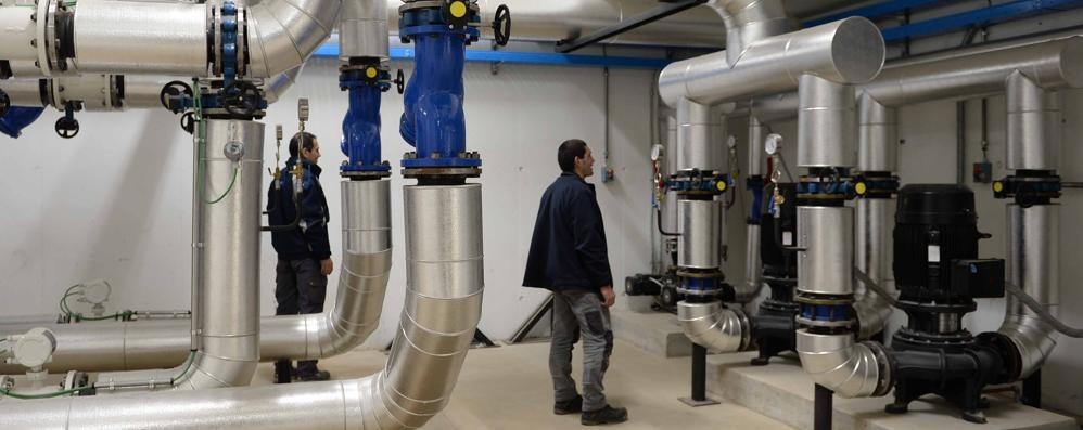 Cosio Valtellino, la centrale a biomassa vista dall'interno è odore di legno ed efficienza