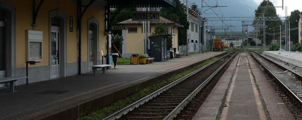 Droga in stazione a Morbegno: un arresto e una denuncia
